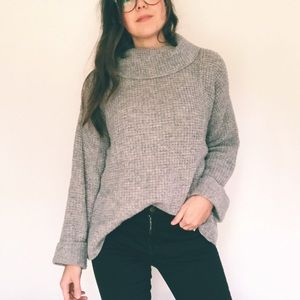 Free People • Chunky Waffle Knit Sweater